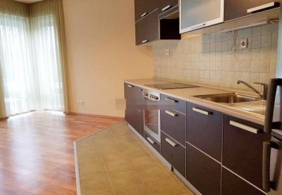 EURÓPA lakóparkban 1+1 félszobás, ÚJSZERŰ lakás eladó