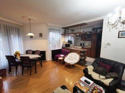 Törökőrön I.emeleti, 2+1 félszobás lakás eladó