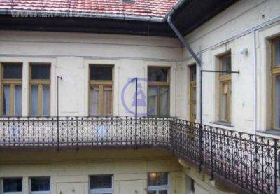 Szentkirályi utcában eladó lakás